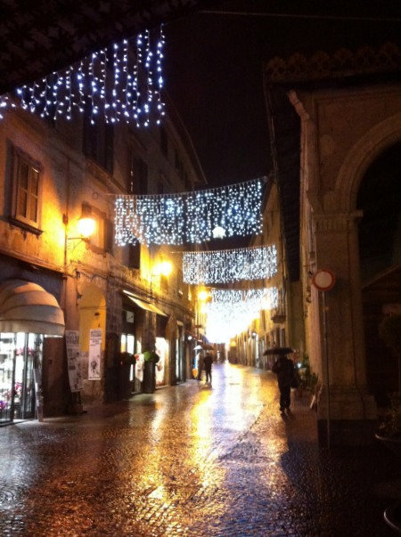 BrowsingItaly.com » Orvieto: Christmas Lights