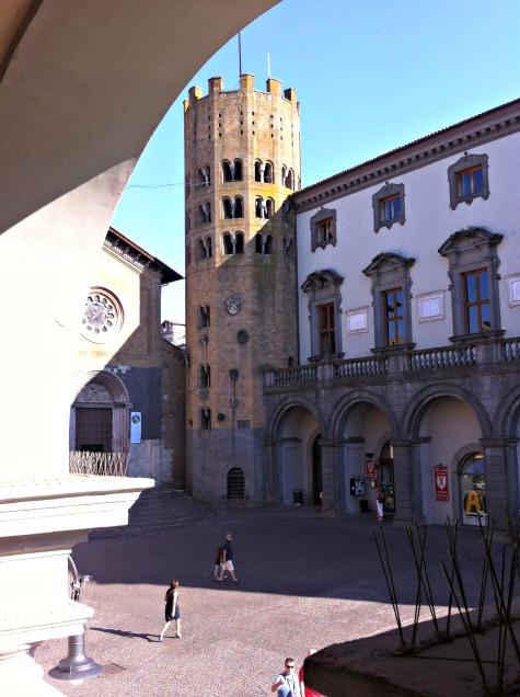 BrowsingItaly.com » Orvieto: Piazza della Repubblica