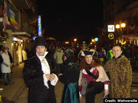 Carnival of Viareggio: Night Festivals