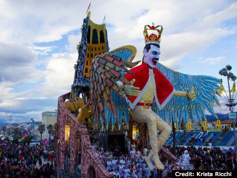 Freddy Mercury float