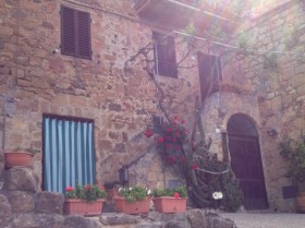 """Show and Tell"": Exploring Tuscany in a Day"