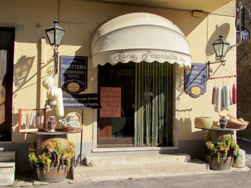 Shop in Saturnia | Italy Show and Tell: Visit to Maremma, Tuscany | BrowsingItaly.com