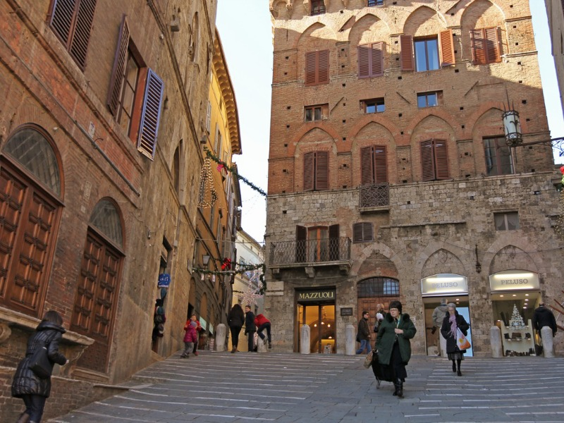Streets of Siena in December by Kenny Kim | Italy Show and Tell: Tuscany in Fall/Winter | BrowsingItaly.com