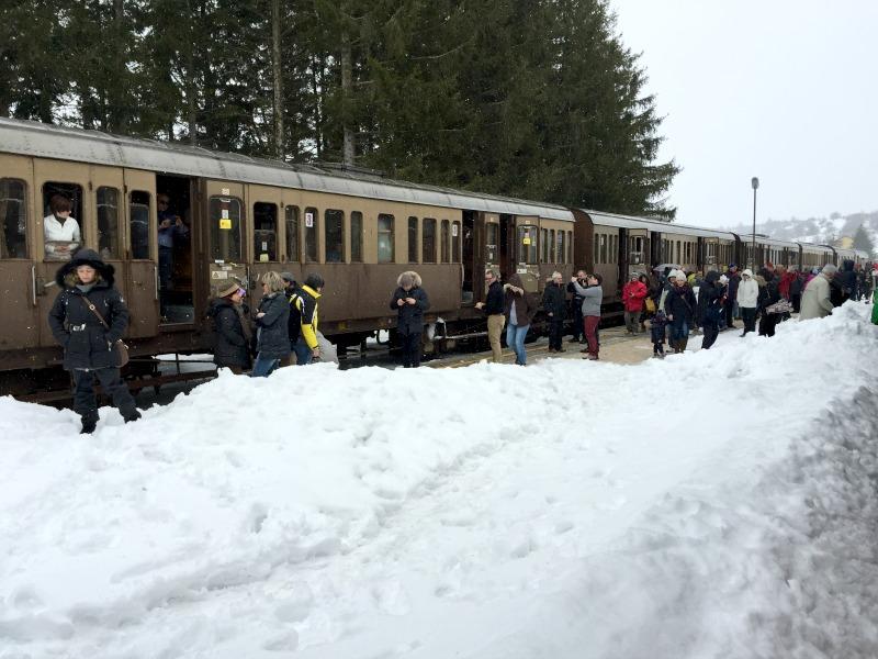 At Rivisondoli-Pescocostanco | Transiberiana d'Italia - Ride on a historic train