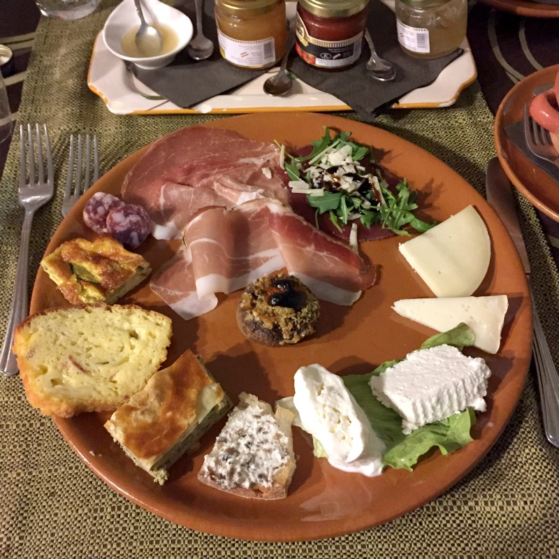 Appetizers at Masseria Monte Pizzi - Carovilli, Molise | BrowsingItaly