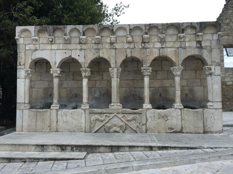 Fontana Fraterna in Isernia | BrowsingItaly