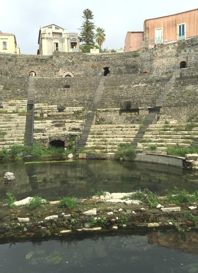 Teatro Romano / Odeon in Catania, Sicily   BrowsingItaly.com