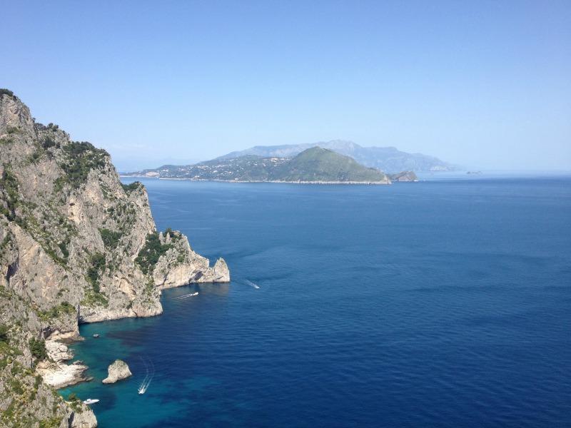Capri, Italy | Picnic retreats |Photo credit: Ristorante Michel'angelo in Capri | BrowsingItaly.com