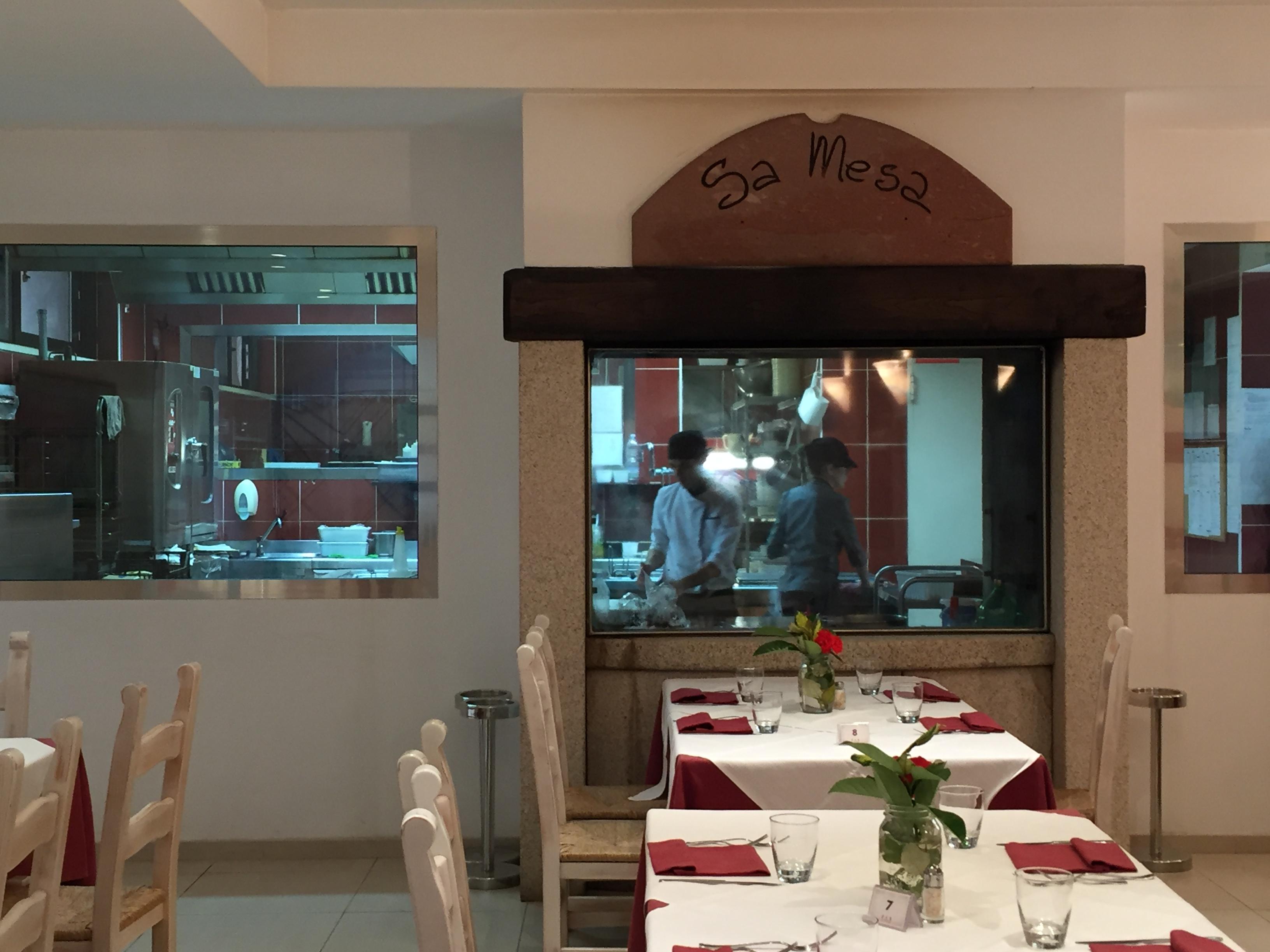 SaMesa restaurant in Geo Village is open all-year round | Olbia, Sardinia | BrowsingItaly.com