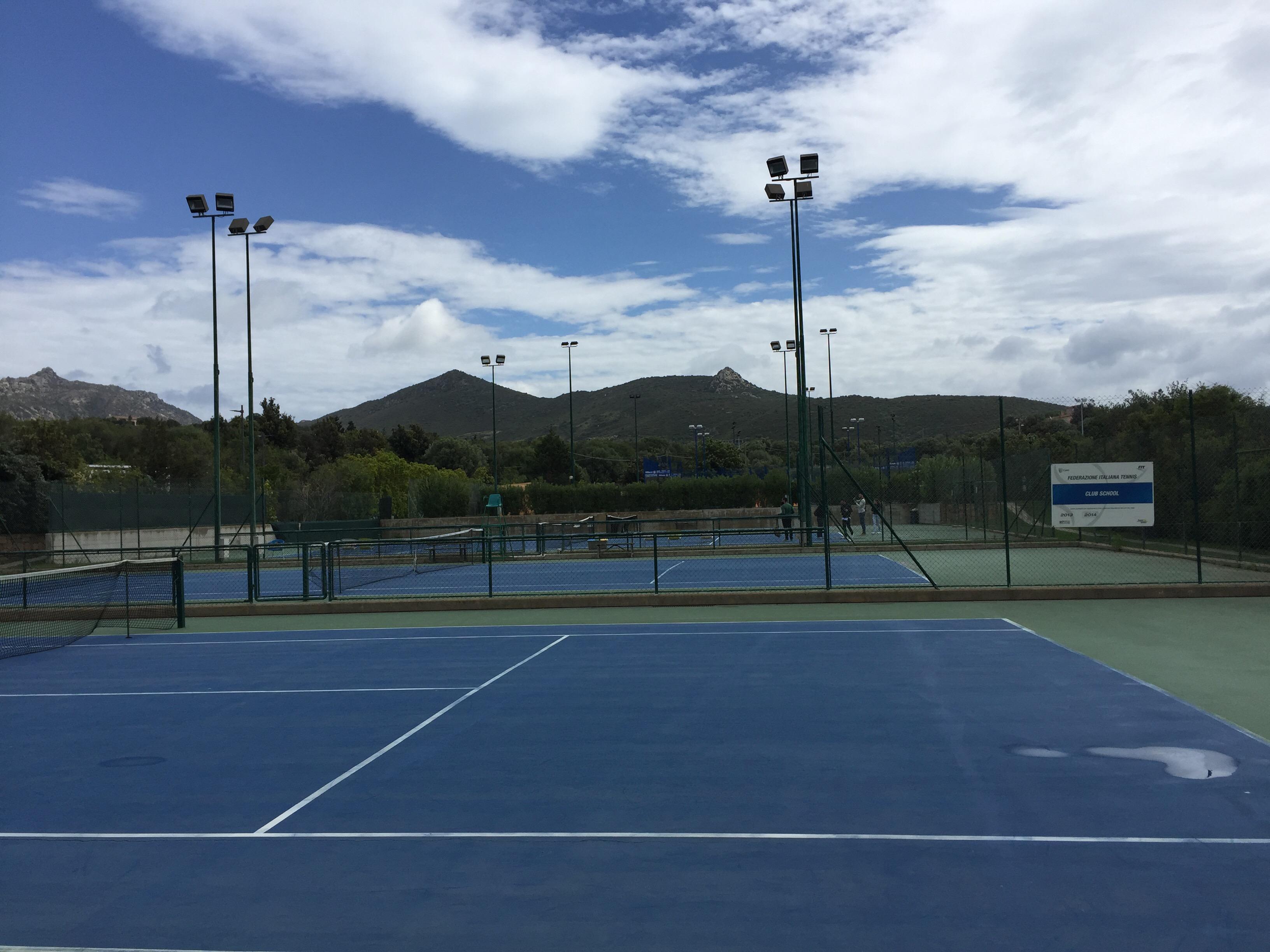 Hard courts - tennis facilities at Geo Village | Olbia, Sardinia | BrowsingItaly.com