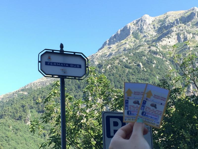 Bus stop in Nocelle, Positano | Amalfi Coast | BrowsingItaly.com