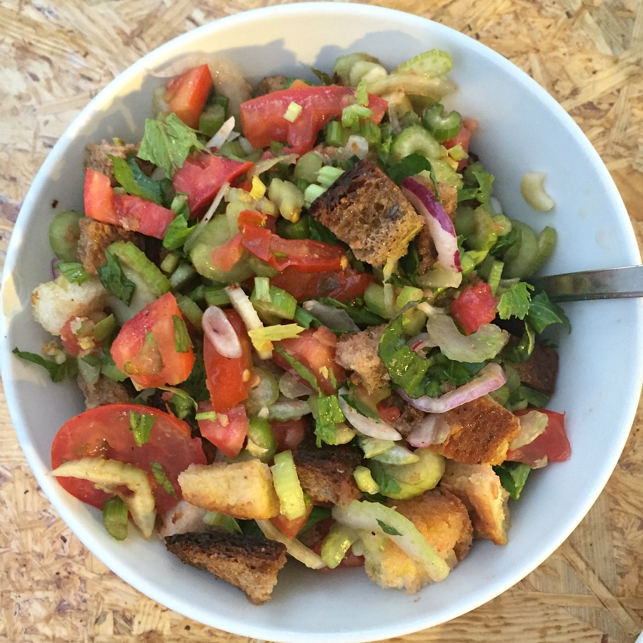 Panzanella at Vinile in Tuscany | Slow Travel in Tuscany with Km Zero Tours | BrowsingItaly.com