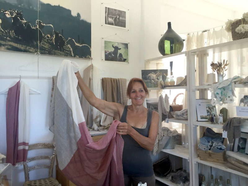 Nora with a cashmere scarf | Slow Travel in Tuscany with Km Zero Tours | BrowsingItaly.com
