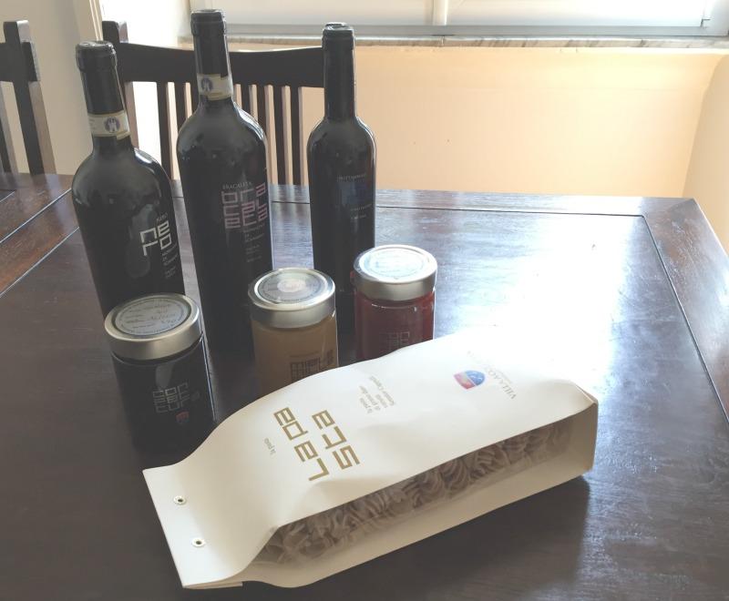 Wines, honey, jams and pasta from Relais Villia Acquaviva in Maremma, Tuscany | BrowsingItaly.com