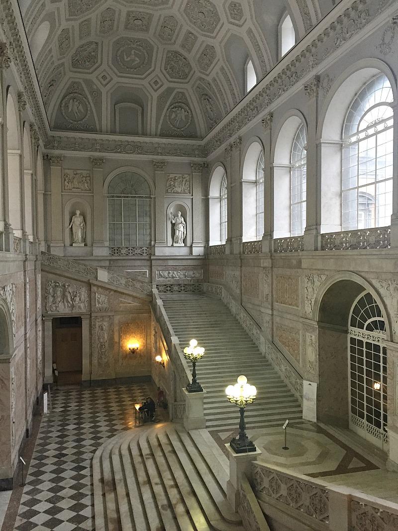 Palazzo Reale in Naples, Italy | BrowsingItaly.com