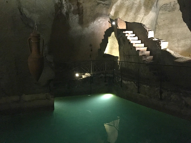 Cisterns during the tour with Napoli Sotterranea | BrowsingItaly.com