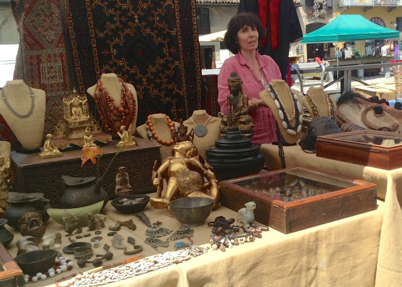 Antique Markets in Northern Italy | Antiques Market in Naviglio Grande, Milan | Credit: Heather Carlson
